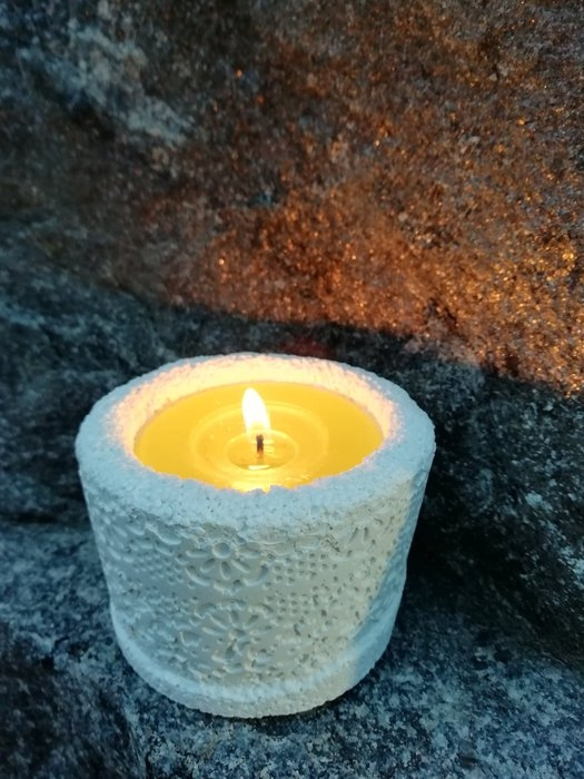 candle-in-concrete-cup